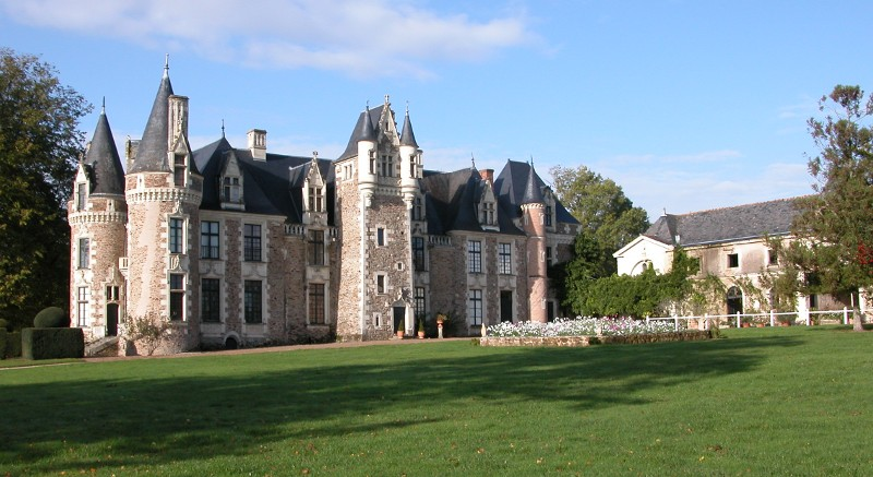Le chateau du Pin
